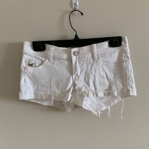💚5 for 20$💚 Hollister White Ripped Jean Shorts